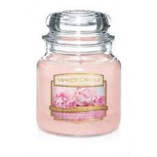 Свеча средняя в стеклянной банке Пудровый букет Blush Bouquet  411 гр / 65-90 часов 1610858E