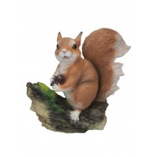Фигурка садовая Белочка с орешком на пне H-25см 169348